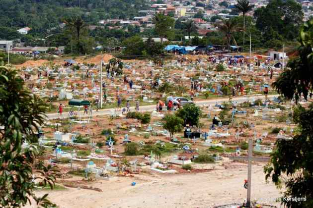 Just a small part of the huge cemetery on the outskirts of Manaus.